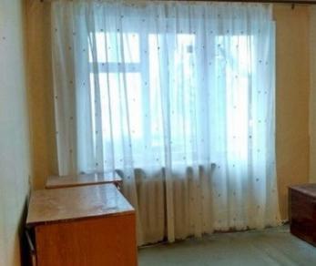Продажа квартиры Ульяновка пгт., Калинина ул., д. 80