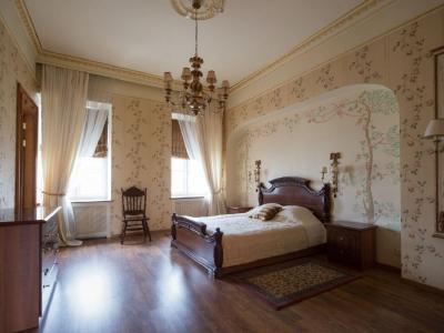 Продажа квартиры 223.3 м2 Малая Конюшенная ул., д. 9
