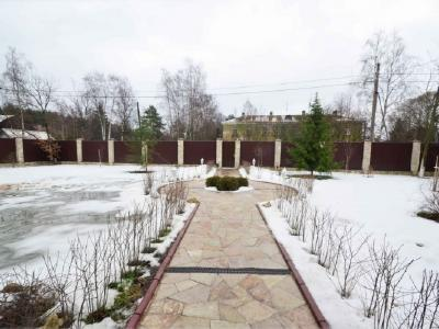 Продажа дома/коттеджи 450 м2 Раздельная ул.