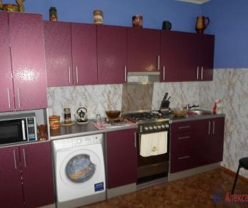 Продажа дома Коммунар, Строителей ул.