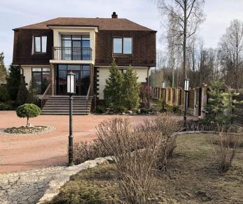 Продажа дома городской поселок Сиверский, Героев проспект, д. 77