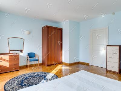Аренда квартиры в старом фонде 140 м2 Итальянская ул, д. 5