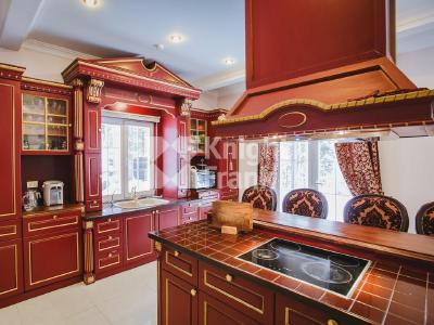 Продажа дома/коттеджи 300 м2 Рощино