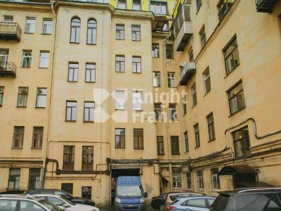 Продажа квартиры в старом фонде 107 м2 Миллионная ул., д.12