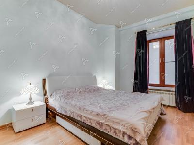 Аренда квартиры 80 м2 Б. Морская ул., д.27