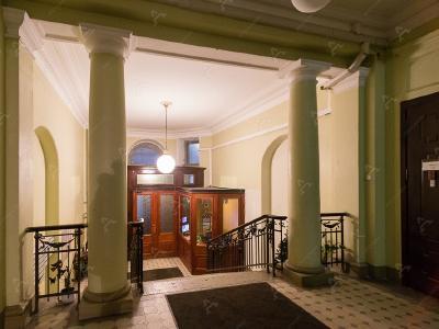 Аренда квартиры в старом фонде 155 м2 Каменноостровский пр., д.26