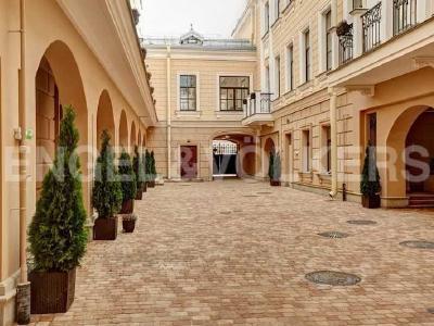 Продажа квартиры 71 м2 Кутузова наб., д.24