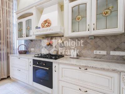 Продажа квартиры 133 м2 Каменноостровский пр., д.9