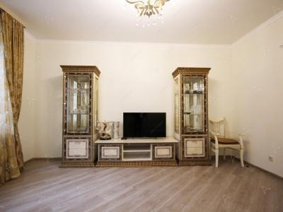 Аренда квартиры бизнес-класса 90 м2 Кременчугская ул., д.9
