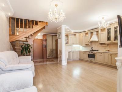 Продажа квартиры бизнес-класса 115 м2 Сестрорецк, Ал. Паншина ул., д.21