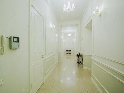 Аренда квартиры 238 м2 Адмиралтейская наб., д.12