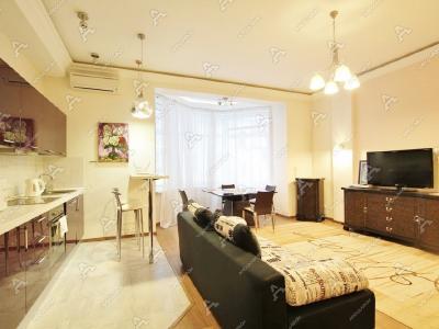 Аренда квартиры в старом фонде 72 м2 Введенская ул., д.21