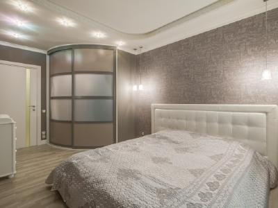 Продажа квартиры бизнес-класса 88 м2 Большеохтинский пр., д.9
