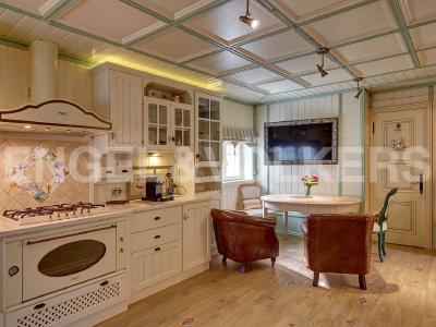 Продажа дома/коттеджи 420 м2 ул. Нижняя, д. 10