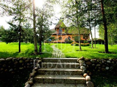 Продажа дома/коттеджи 470 м2 Первомайское