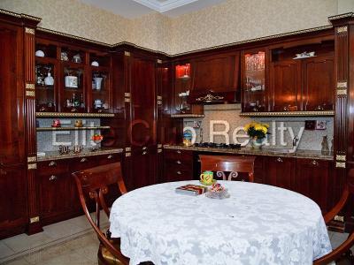 Продажа квартиры 135 м2 Каменноостровский пр., д.73