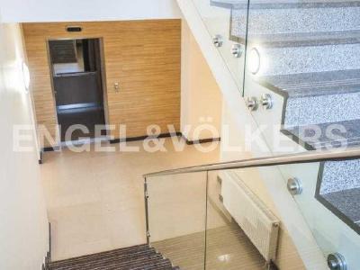 Продажа квартиры 273 м2 Морской пр., д.28