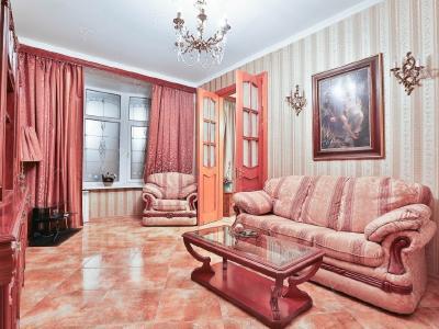 Аренда квартиры в старом фонде 90 м2 Бородинская ул., д.2