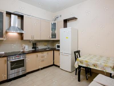 Аренда квартиры в старом фонде 75 м2 4-я линия, д.41