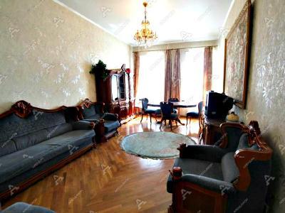 Аренда квартиры в старом фонде 124 м2 Мытнинская наб., д.11