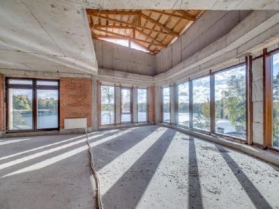 Продажа квартиры бизнес-класса 233 м2 Б. Озерная ул., д.59