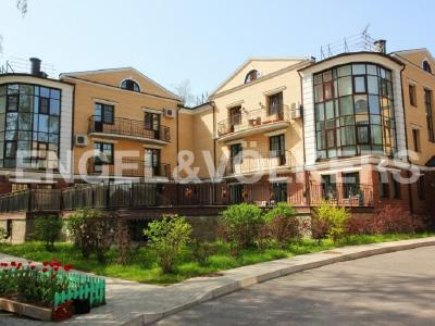 Продажа квартиры бизнес-класса 124 м2 Сестрорецк, Дубковское ш., д.28