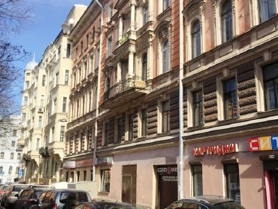 Продажа квартиры в старом фонде 292.2 м2 Кирочная ул., д.30