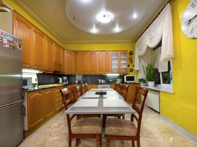 Продажа квартиры 122.4 м2 Б. Морская ул., д.36