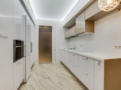 Аренда квартиры бизнес-класса 100 м2 М. Десятинная ул., д.11