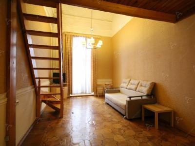 Аренда квартиры в старом фонде 115 м2 Миллионная ул., д.11