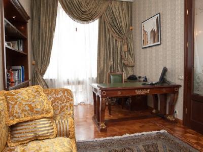 Продажа квартиры 140 м2 Каменноостровский пр., д.73