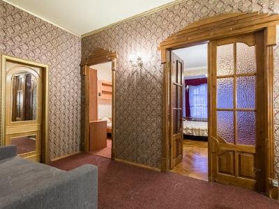Аренда квартиры в старом фонде 110 м2 Коломенская ул., д.25