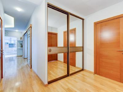 Аренда квартиры 137 м2 7-я линия, д.34