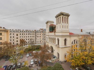 Аренда квартиры 150 м2 Малая Конюшенная ул, д. 9