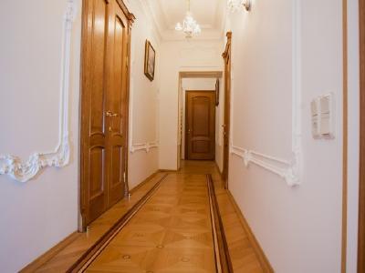 Продажа квартиры 124 м2 Театральная пл., д.16