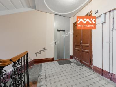 Продажа квартиры в старом фонде 240.6 м2 Невский пр., д.88