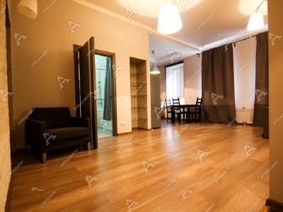Аренда квартиры в старом фонде 85 м2 Яблочкова ул., д.1