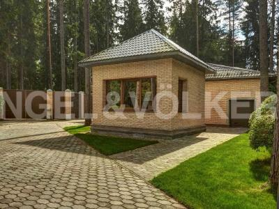 Продажа дома/коттеджи 1500 м2 Ленинское