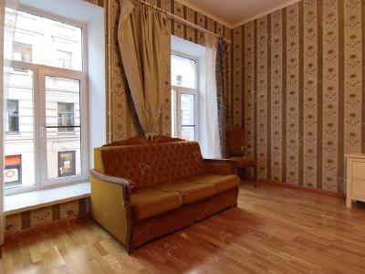 Аренда квартиры в старом фонде 90 м2 Декабристов ул., д.17