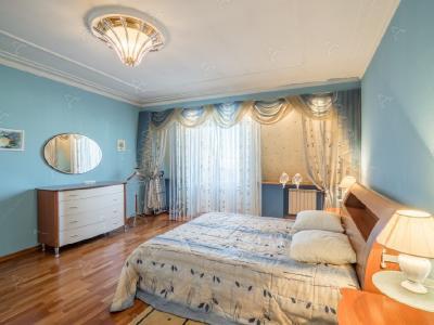 Аренда квартиры бизнес-класса 130 м2 Маяковского ул., д.14