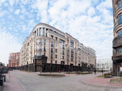 Продажа квартиры 177 м2 Парадная ул., д.3