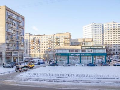 Продажа квартиры бизнес-класса 160 м2 Большеохтинский пр., д.31
