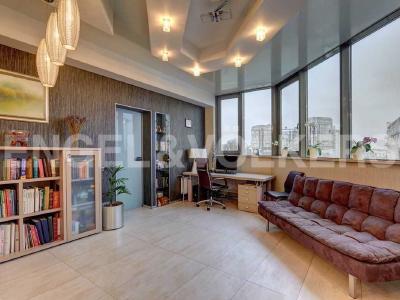 Продажа квартиры 164 м2 Рюхина ул., д.10