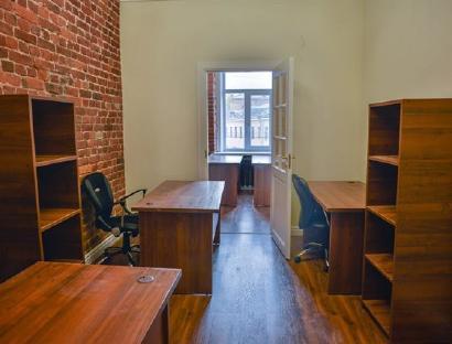 Продажа  офисного помещения Большой П.С. пр., 305 м2